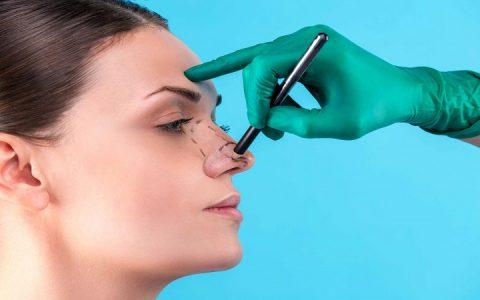 اصلاح اختلالات عملکرد بینی همزمان با جراحی زیبایی بینی