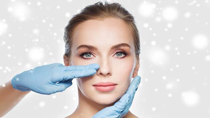 جراح بینی اصفهان | جراحی بینی بیماران قلبی خطرناک است